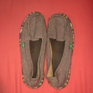 Sanuk woman's slip on shoes - yoga mat insoles